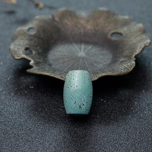 高瓷乌兰花浅蓝绿松石桶珠