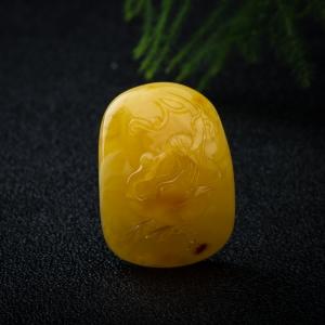 鸡油黄蜜蜡天鹅吊坠