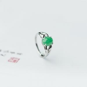 18K糯种苹果绿翡翠戒指