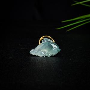 18k冰种飘花翡翠海豚吊坠