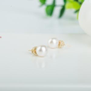 18k海水白色珍珠耳钉