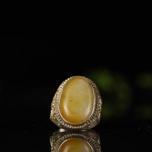 银镶籽料和田黄沁戒指