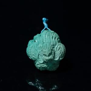 高瓷蓝绿绿松石龙吊坠