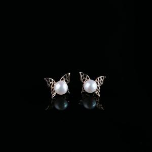 18K淡水白色珍珠耳钉