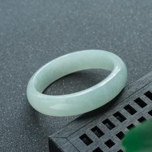 60mm糯冰種淺綠翡翠平安鐲
