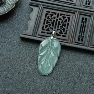 銀鑲糯冰種淺綠翡翠金枝玉葉吊墜
