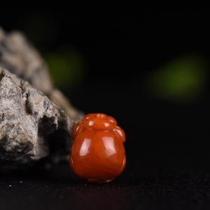 柿子红南红福猪吊坠