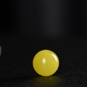 18.5mm鸡油黄蜜蜡圆珠