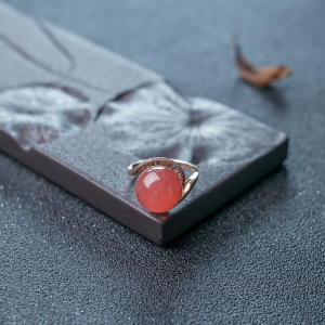 18K红纹石戒指