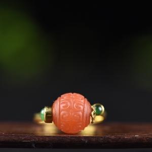 18k金鑲翡翠柿子紅南紅回紋珠戒指