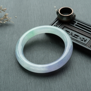 54.5mm糯冰种春带彩翡翠圆镯