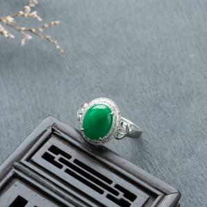18K糯冰种翠绿翡翠戒指