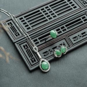 银镶糯冰种浅绿翡翠套装