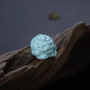 高瓷浅蓝绿松石貔貅吊坠