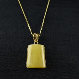 銀鑲雞油黃蜜蠟無事牌吊墜