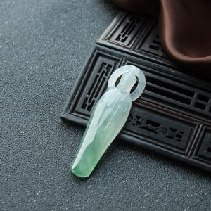 冰种浅绿翡翠观音吊坠