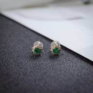 18K亮绿祖母绿耳钉