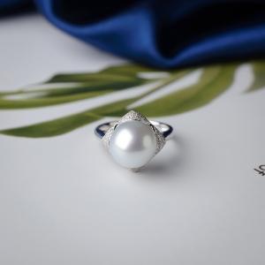 18K海水白色珍珠戒指