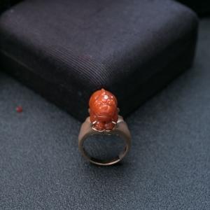 18K柿子红南红貔貅戒指
