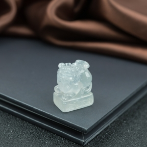 冰种翡翠貔貅印章