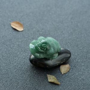 糯种深绿翡翠招财进宝摆件