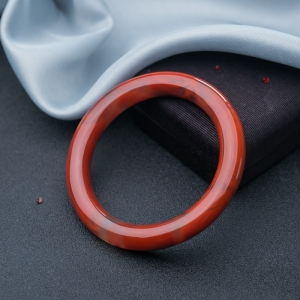 57.5mm柿子红南红圆镯