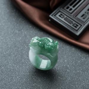 糯种深绿翡翠貔貅指环