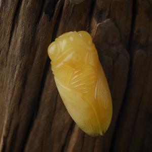 鸡油黄蜜蜡一鸣惊人吊坠
