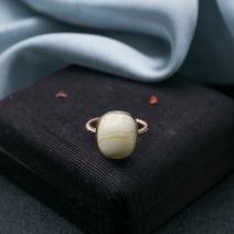 18K白花蜜蜡戒指