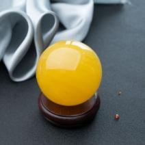 57mm鸡油黄蜜蜡圆球摆件