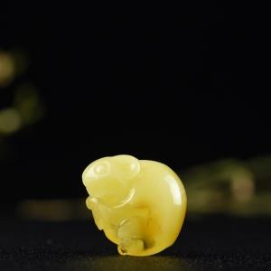 雞油黃蜜蠟子鼠吊墜