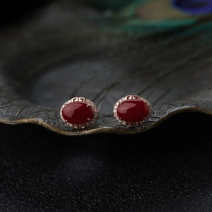 18K阿卡牛血紅珊瑚耳釘