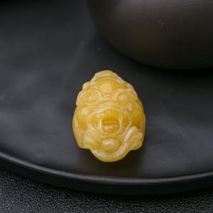 雞油黃蜜蠟貔貅吊墜