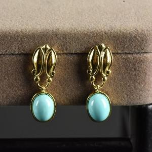 银镶中高瓷蓝色绿松石耳坠