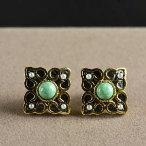 银镶中高瓷蓝绿色绿松石耳钉