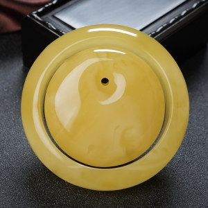 56.5mm雞油黃蜜蠟平安鐲