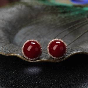 18K沙丁牛血红珊瑚圆珠耳钉