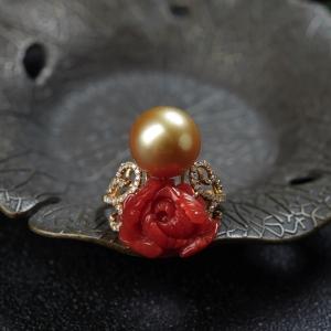 18K阿卡珊瑚牡丹花戒指