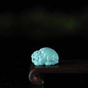 高瓷蓝绿松石貔貅吊坠