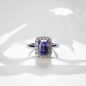 18K无烧蓝紫色蓝宝石戒指