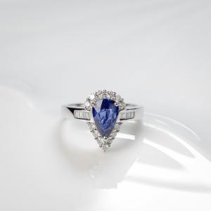 18K藍色藍寶石戒指