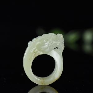 籽料和田白玉龍頭指環