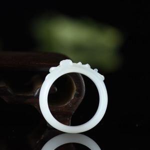 籽料和田白玉幽莲指环