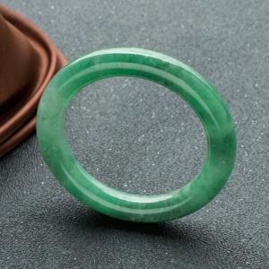 58mm糯冰种翠绿翡翠圆镯