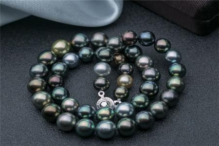 如何挑选黑珍珠项链?
