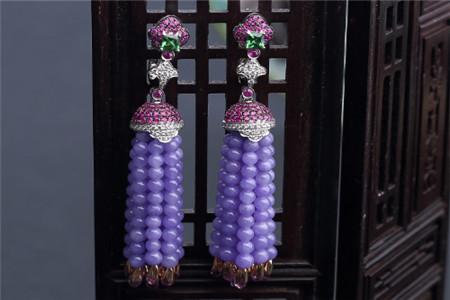 不同档次的紫罗兰翡翠价格多少钱?紫罗兰翡翠价格怎样判断