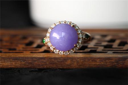 紫罗兰翡翠颜色等级划分,什么颜色的紫罗兰翡翠价值高?