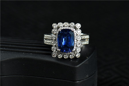 蓝宝石值钱吗?蓝宝石真的越大越值钱吗?