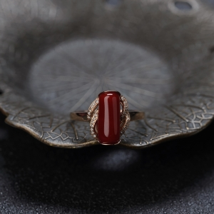 18K阿卡牛血红珊瑚随形戒指