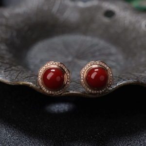 18K阿卡牛血红珊瑚圆珠耳钉